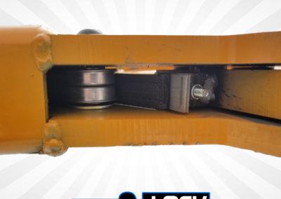 forklift towing attachment autocentering pivot head